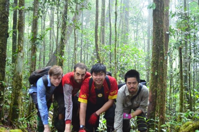 Nick and the HOSCAP Borneo volunteers