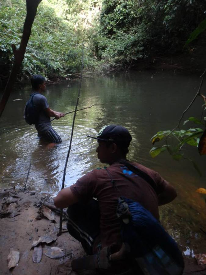 Local research assistants, Jereo and Bendy, out fishing